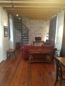 FAIS DO DO!!!!!!!!!! Bathroom Stand, Pull Out Bed, Bedroom Night, Air Mattress, French Quarter, Property Management, Washer And Dryer, Dining Area