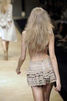 Runway Fashion, High Fashion, Fashion Models, Runway Models, Ballet Skirt, Vogue, Pretty, Fashion Design, Clothes