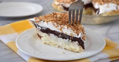 Easy delightful 15 minute bake chocolate and coconut pie recipe Cold Desserts, Mets, Puddings, Pie Recipes, Tiramisu, Coconut, Baking, Sweet, Ethnic Recipes