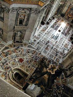 Roma - Interior de la Basílica de San Pedro, Vatican