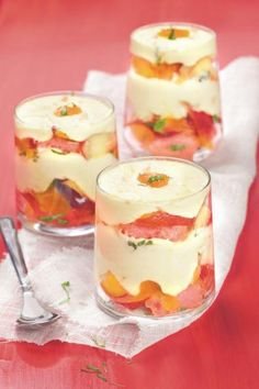 Discover recipes, home ideas, style inspiration and other ideas to try. Köstliche Desserts, Delicious Desserts, Dessert Recipes, Yummy Food, Cooking With Essential Oils, Food Tasting, Appetizer Recipes, Food Dishes, Mousse