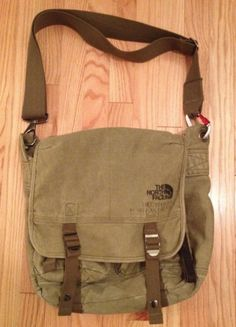 nyctoge is selling a great military style messenger bag from The North Face. I love the look of this bag, it does not look frumpy like some messenger bags. It still maintains a level of ruggedness. Military Messenger Bag, Canvas Messenger Bag, Military Fashion, Military Style, Classic Handbags, Best Bags, Cool Backpacks, Types Of Fashion Styles, Backpack Bags