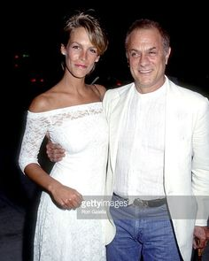 #HappyBirthday to #actress #author and #blogger #Jamieleecurtis who turns 58 today.  Here's the #Baftaaward and #goldenglobe winning #JamieLee with her #famous actor dad #TonyCurtis at a screening of 'Streets of Fire' in Beverly Hills CA in May 1984.  #Halloween #tradingplaces #hollywood  #afishcalledwanda #truelies #Screamqueens #janetleigh #christopherguest #anythingbutlove @curtisleejamie #celebsighting #whentheywereyoung #bornonthisday #celebrities #star #paparazzi #rongalella…
