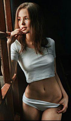 Cindy loarn moans through her sex massage in public