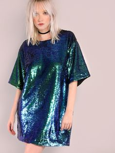 Online shopping for Iridescent Sequin Tee Dress GREEN from a great selection of women's fashion clothing & more at MakeMeChic.COM.