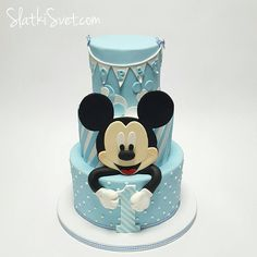 Mickey Mouse Outfit for 1 Year Old Mickey And Minnie Cake, Bolo Mickey, Mickey Mouse Birthday Cake, Mickey Cakes, Baby Birthday Cakes, Minnie Mouse Cake, Pastel Mickey, Friends Cake, Celebration Cakes