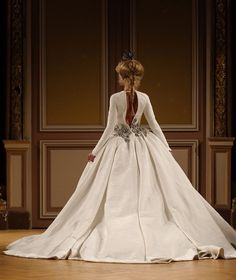 Diamonds Forever: Fall-Winter 2014 #Couture Collection by #TonyYaacoub #dress #fashion #parisfashionweek #lebanesedesigner #weddingdress