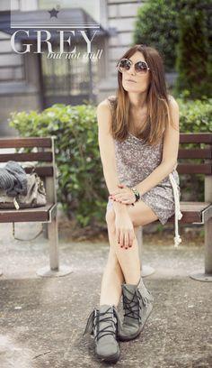 Esta semana Bárbara Crespo gana nuestro look fabuloso. ¡Porque el gris también es para la primavera! ;) ow.ly/lx8lS