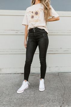 Simple Outfits For School, Cute Simple Outfits, Summer School Outfits, Cute Outfits With Jeans, Cute Teen Outfits, Cute Outfits For School, Teenager Outfits, Teen Fashion Outfits, Rock Chic