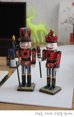 wooden nesting dolls   http://blog.naver.com/tjsks140