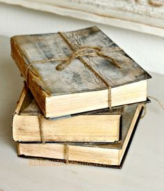 Hometalk :: Upcycled Trashed Books to Look Like Antique Treasures