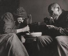 Martin Martinček: Desaťročia jedli z jednej misy I.:1964 - 1965 Heart Of Europe, Folk Art, Documentaries, Nostalgia, Beautiful Women, Couple Photos, Photography, Image, Country