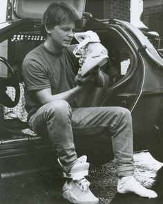 There's fly. and then there's Marty McFly. These Nike Back to the Future Sneakers are clearly the latter, the very same style worn by Michael J Fox in Marty Mcfly, Movies And Series, Movies And Tv Shows, Nike Air Mag, Por Tras Das Cameras, Science Fiction, Nike Free Run, Michael J Fox, Bttf
