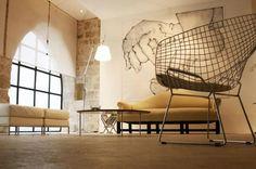 Four Maison d'hôtes chambres d'hôtes design dans le Lot | MHD Architecture, Four, Chair, Furniture, France, Home Decor, Holiday, Big Couch, Queen Size Bedding