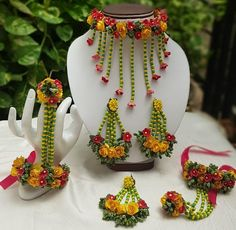 Yellow and Red flower jewellery gotapatti set Necklace, tika,earrings,bracelet 6 pieces jewellery set,flower set - preet - Bridal Flowers, Red Flowers, Flower Jewellery For Mehndi, Flower Jewelry, Silver Jewellery, Indian Jewelry, Flower Ornaments, Pearl Flower, Flower Necklace