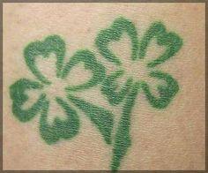 green four leaf clover tattoo Twin Tattoos, Dad Tattoos, Tattoo You, Cute Tattoos, Tatoos, Four Leaf Clover Tattoo, Clover Tattoos, Shamrock Tattoos, Irish Twins