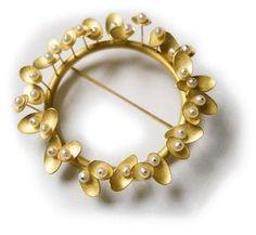 Kayo Saito - Sprout Brooch - 18k gold & pearls