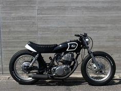SR400 レイナルオリジナル ボバー ブラック&ホワイト