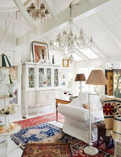 the style saloniste: Exclusive: Famed Costume Designer's Charming Canyon House — Theadora Van Runkle Interior Style French Cottage, Cozy Cottage, Cottage Homes, Cottage Style, White Cottage, Cottage Pie, Cottage Living, Wuthering Heights, Pergola