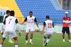 Bahrain và Hàn Quốc đã chính thức nhận lời mời của Liên đoàn bong da Việt Nam về việc cử đội tuyển sang thi đấu giao hữu với ĐT Việt Nam vào cuối tháng 10, đầu tháng 11 tới.