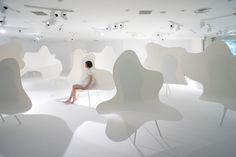 japan-architects.com: 藤本壮介 + 戸恒浩人による展覧会「雲の椅子の紙の森」
