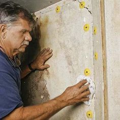 This Old House general contractor Tom Silva shows a newer, faster way to fix… Plaster Repair, Drywall Repair, Cracked Wall, Diy Home Repair, Plaster Walls, Home Repairs, Old Houses, Abandoned Houses, Home Renovation
