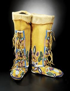 Northern Shoshone woman's leggings and moccasins, ca. 1910.