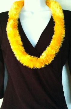NEW Hawaiian Crocheted Yarn Lei Made in Hawaii Yellow Kukui Nuts Gift Idea