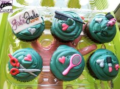 Hair stylists like cupcakes for tips =)