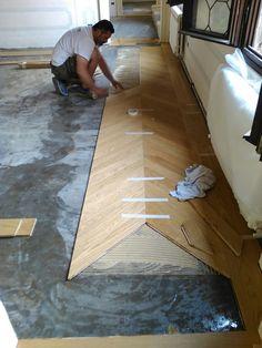 Wood Parquet, Parquet Flooring, Wooden Flooring, Hardwood Floors, Floor Design, House Design, Kitchen Cabinets On A Budget, Wooden Floor Tiles, Chevron Floor