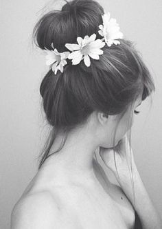 Neeed a little elastic band with flowers for buns like this!