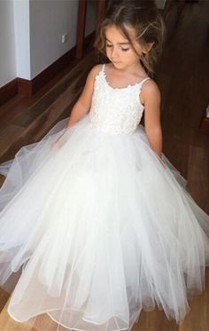 Puffy Tulle White Lace Flower Girls Dresses 2019 Vestidos Para Meninas Spaghetti Straps Ball Gown Tulle First communion Dress. Product ID: Bridesmaid Dresses 2018, Wedding Dresses For Girls, Wedding Party Dresses, Girls Dresses, Dress Party, Dresses 2016, Party Gowns, White Dresses For Kids, Quinceanera Dresses