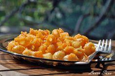 Macaroane cu cartofi   Retete culinare cu Laura Sava Risotto, Macaroni And Cheese, Vegetarian Recipes, Mai, Fish, Ethnic Recipes, Essen, Mac And Cheese, Pisces
