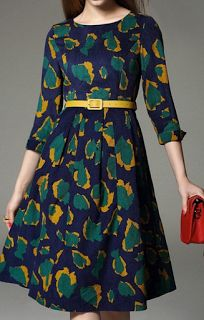 Print Jewel Neck Sleeve Midi Dress Love the color combination ❤️ Source by mhbressi. Midi Dress With Sleeves, Dress Skirt, Dress Up, Pretty Dresses, Beautiful Dresses, Casual Dresses, Fashion Dresses, Green Midi Dress, Vestidos Vintage