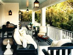 Front Porch Living --> http://www.hgtv.com/designers-portfolio/room/traditional/outdoors/6941/index.html#//room-outdoors?soc=pinterest