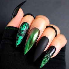 The Best Halloween Nail Designs in 2018 Wicked Black Halloween Stiletto Nails Nails Style Nails # Black Nails Stiletto Nail Art, Cute Acrylic Nails, Cute Nails, Pretty Nails, Coffin Nails, Acrylic Nails Green, Glitter Nails, Pastel Nails, Stiletto Nail Designs