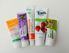 A guide for parents on the best natural toothpastes for kids Toms Toothpaste, Cruelty Free Toothpaste, Best Whitening Toothpaste, Toothpaste Brands, Teeth Whitening Remedies, Teeth Whitening System, Natural Teeth Whitening, Best Natural Toothpaste, Parents