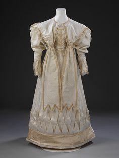 Wedding dress, 1828. Victoria & Albert Museum.
