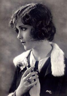 Ziegfeld girl. 1920's.