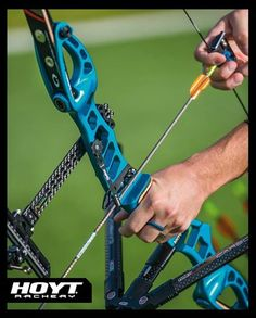 Hoyt Prodigy Series Riser with VertaTune Clicker Plates