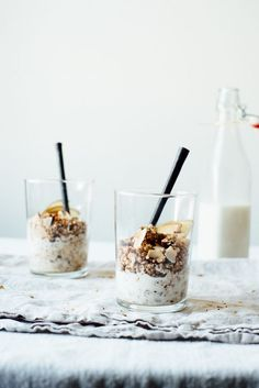 superfood granola with almond-macadamia milk (vegan / gluten free)