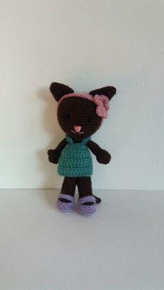 Katze gehäkelt Hello Kitty, Fictional Characters, Art, Amigurumi, Cat Crochet, Crochet Stuffed Animals, Art Background, Kunst, Performing Arts