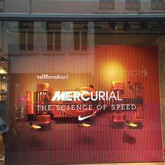Nike windowdressing Brussel by confettireclame Rotterdam