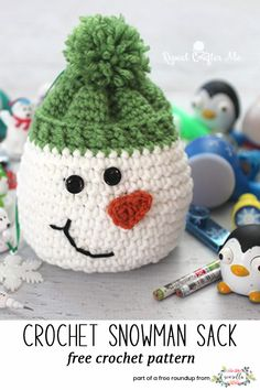 Crochet these christmas snowman sack gift bag from Repeat Crafter Me from my last minute christmas free pattern roundup! Crochet Christmas Gifts, Christmas Crochet Patterns, Holiday Crochet, Crochet Gifts, Crochet Baby Hats, Crochet For Kids, Crochet Toys, Free Crochet, Crochet Coaster Pattern