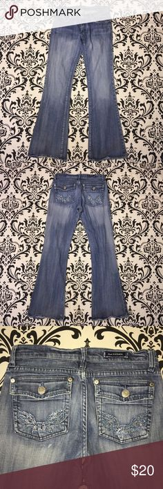 "Rock & Republic denim bootcut jean size 27 Rock & Republic denim bootcut jean size 27 Inseam 31"" Excellent condition. No rips, tears or stains. 📦📫 ships next day 📫📦 Rock & Republic Jeans Boot Cut"