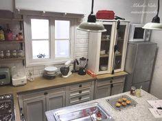 411 отметок «Нравится», 5 комментариев — Миниатюра_каждый_день (@rem_brant) в Instagram: «RepostBy @nishi_mikako:  #doll#miniatures #kitchen #dollhouse #куклы #кукольныйдом #кухня #миниатюра»