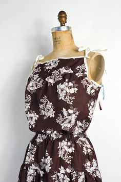 vintage 1970s sundress-- chocolate brown floral print