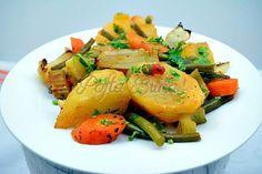 Ghiveci taranesc de post Salmon Burgers, Cantaloupe, Potato Salad, Veggies, Turkey, Potatoes, Meals, Dishes, Chicken