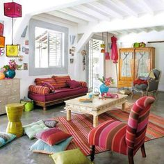 bohemian chic home decor: how to bohemian chic your home in 10 steps source get a decor Bohemian Chic Home, Bohemian Living Rooms, Colourful Living Room, Boho Room, Living Room Decor, Bohemian Decor, Gypsy Living, White Bohemian, Modern Bohemian