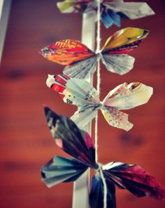 DIY Crafts :DIY Butterfly : DIY Paper Butterflies I use to make these with my grandmother when I was younger, I'm going to make some soon! Butterfly Project, Diy Butterfly, Butterfly Mobile, Origami, Paper Butterflies, Paper Flowers, Borboleta Diy, Old Magazine Crafts, Diy Paper